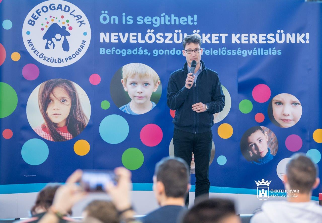 Családi nappal népszerűsítik a nevelőszülői programot a Várkert Bazárban
