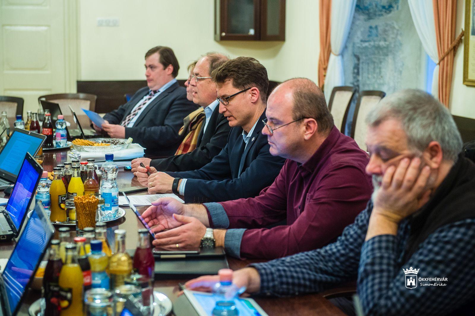 2027b83e22 Székesfehérvár Városportál - Polgármesteri online fogadóóra lesz ...