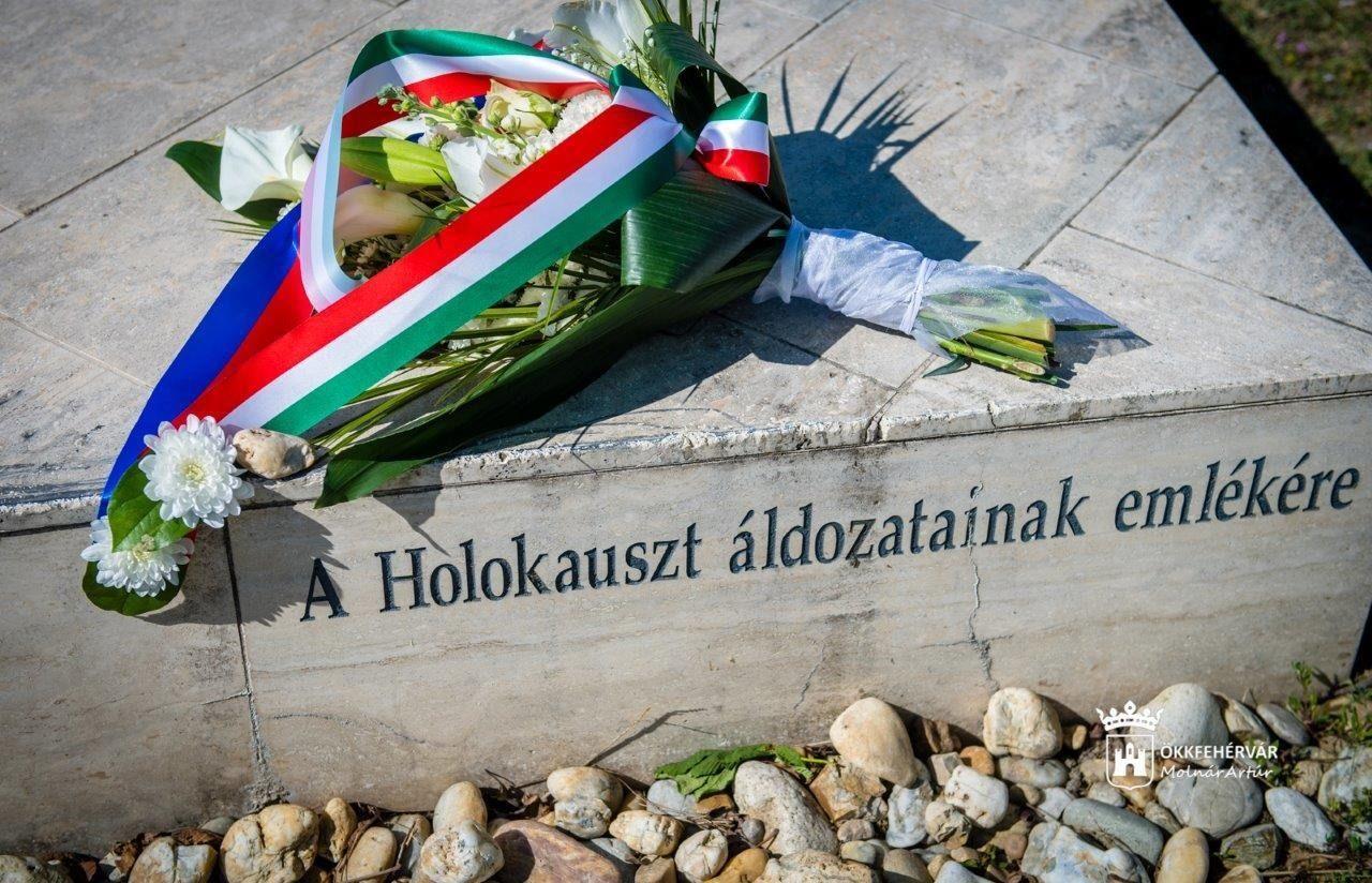 A holokauszt magyarországi áldozataira emlékeztek Székesfehérváron