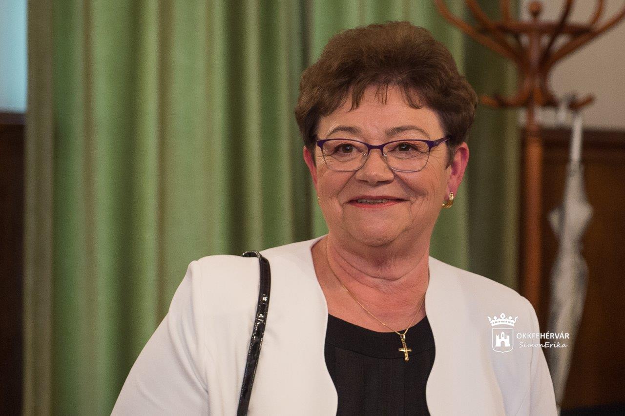 Székesfehérvár Városportál - Hazai terepen - interjú Dr. Müller Cecília országos tisztifőorvossal