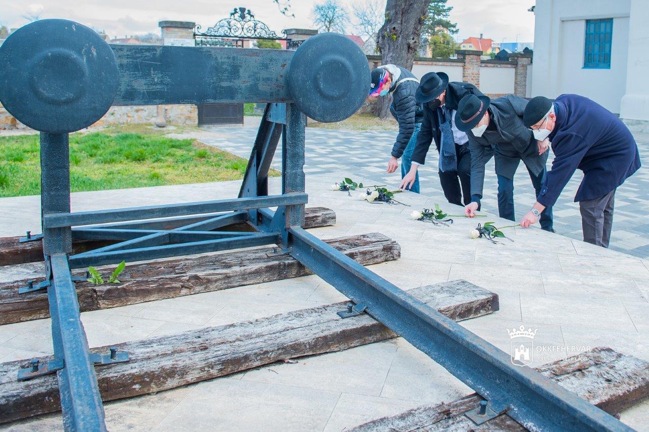 Csendes emlékezés a holokauszt magyarországi áldozatainak emléknapján