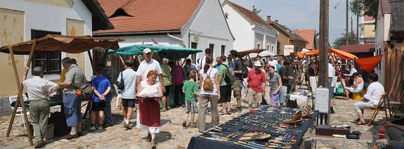 http://www.szekesfehervar.hu/_user/0/Image/Armand_2012/tuzzel_kicsi1.jpg